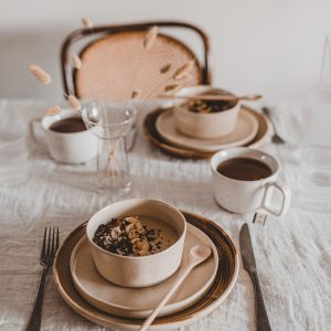 Breakfast table styling + peanutbutter bowl